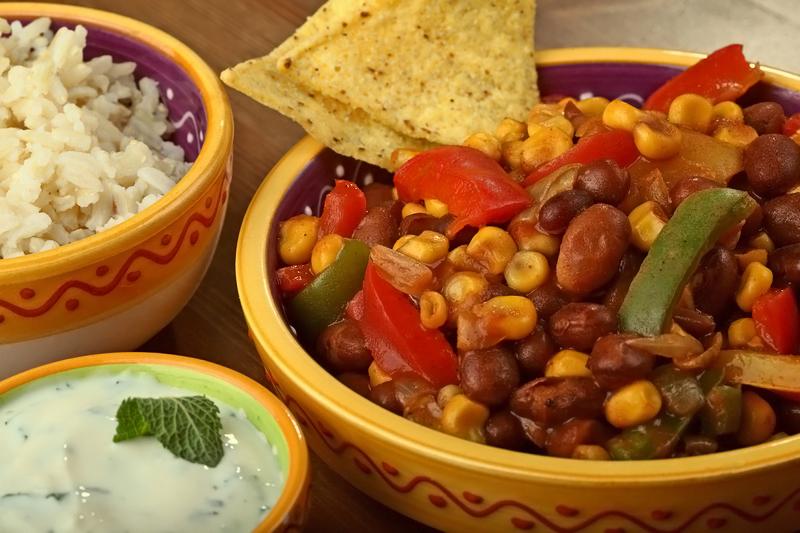 Chili sin carne met munt-yoghurt