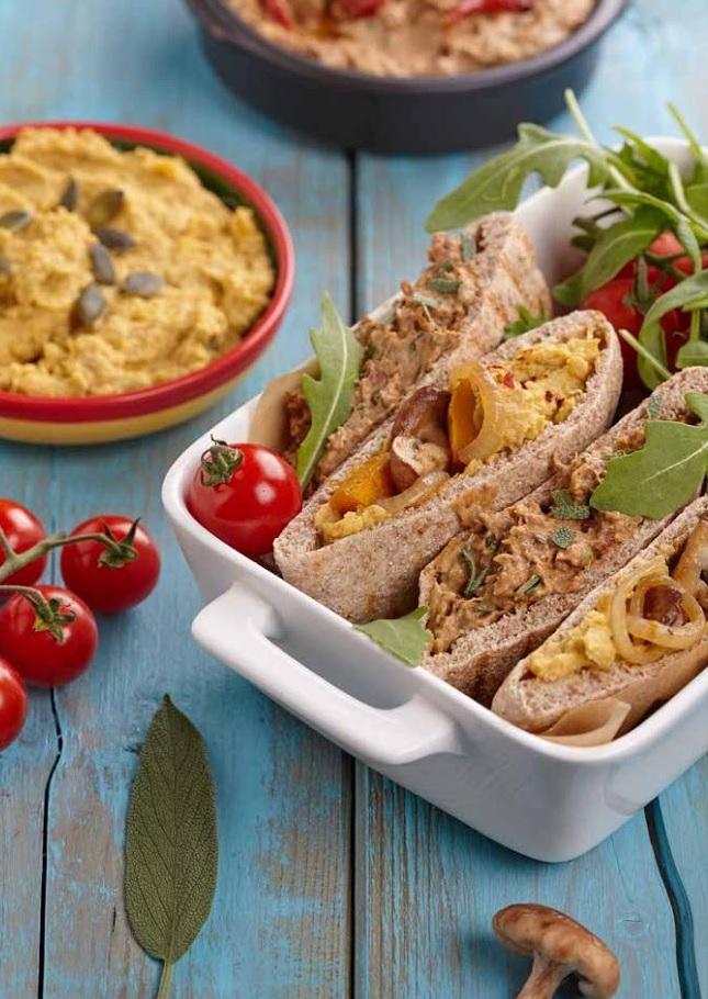 Pita met witte bonen en rucolahummus