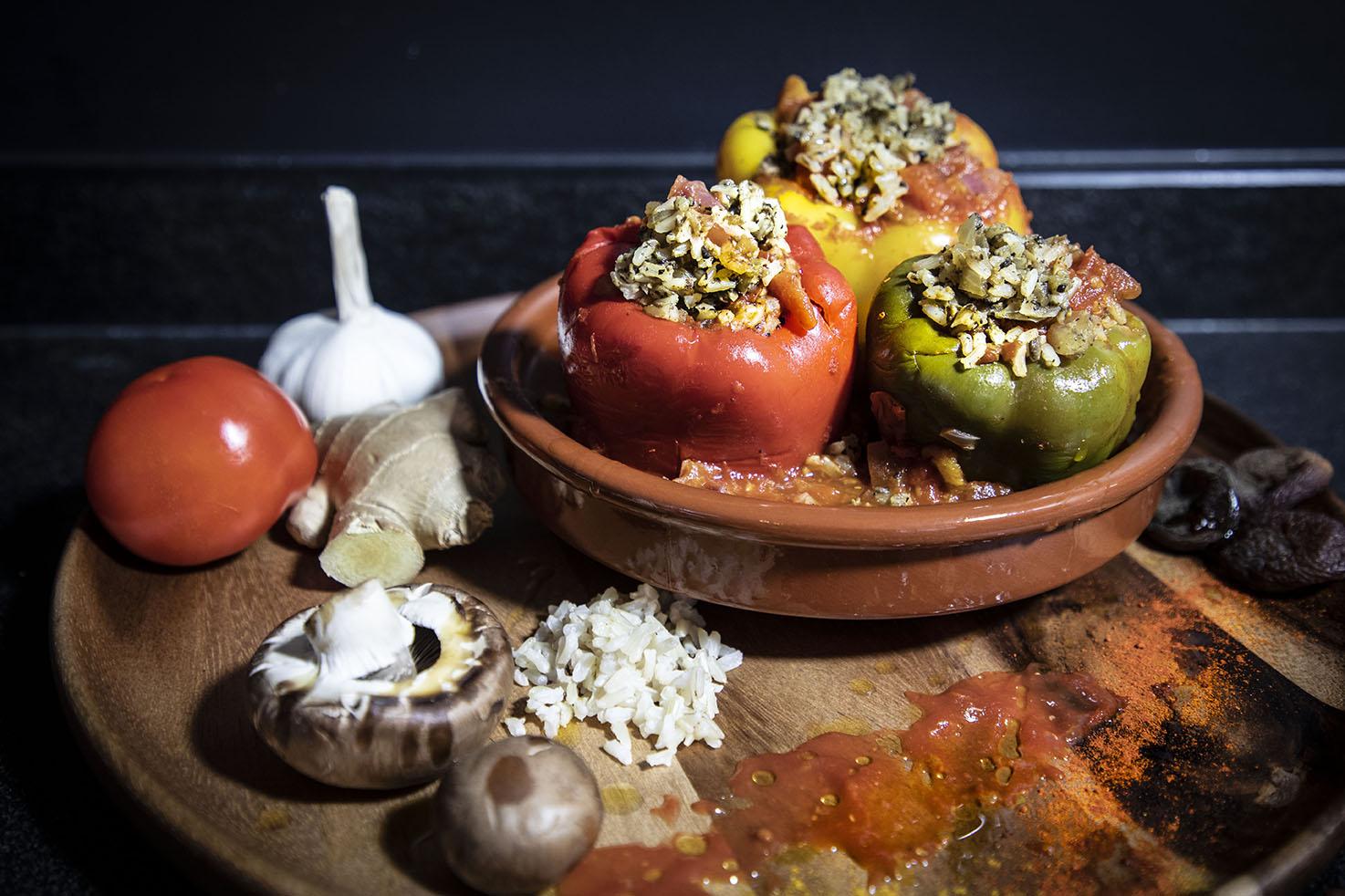 Gevulde paprika's in tomatensaus
